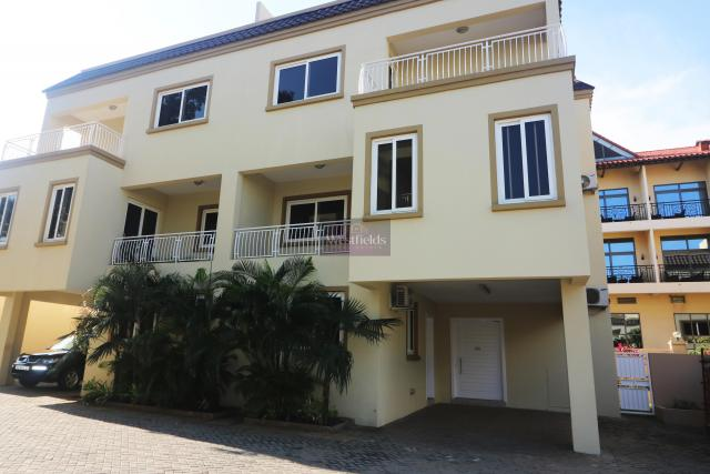 4 Bedroom Townhouse for Rent at Roman Ridge