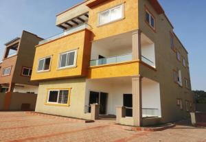 5 Bedroom House for Sale at East Airport, Accra