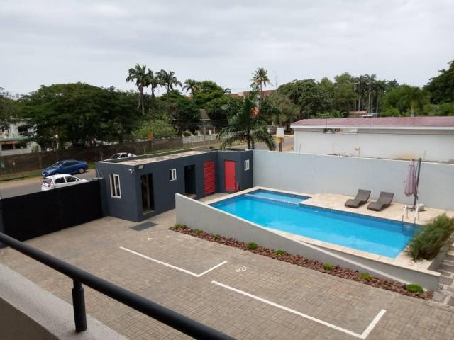 Beautiful 3 en-suite bedrooms with staff room for rent